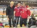 2 adhérents de la section athlétisme avec leur médailles et leur entraineur en 2014