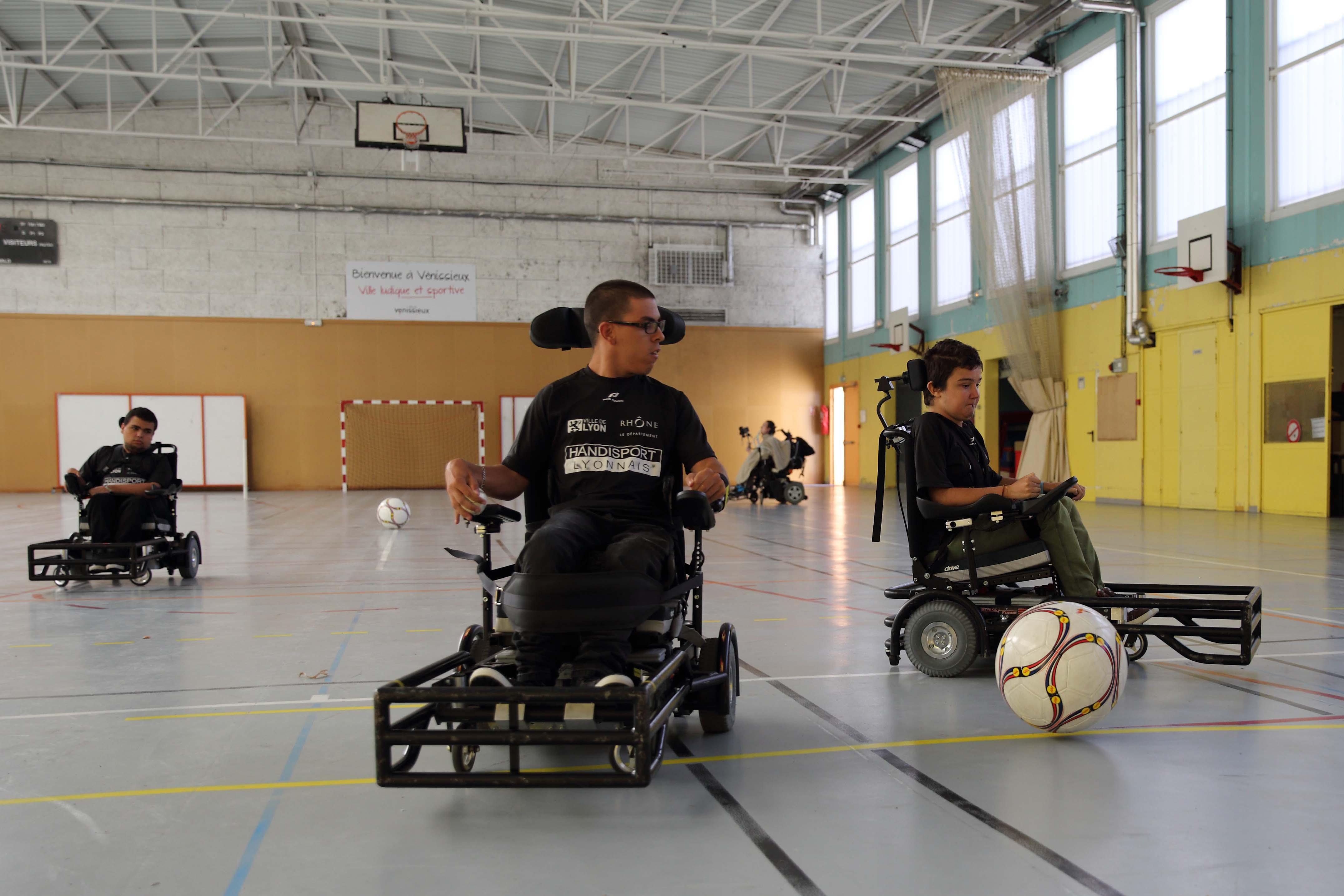 Lyonnais Fauteuil Lyonnais Fauteuil Fauteuil Foot Handisport Handisport Foot Foot hdCtrsQ