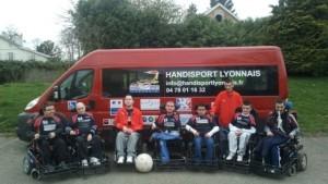 photominibushandisportlyonnais-foot-fauteuil