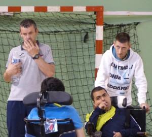 Amine entouré du sélectionneur à gauche David Vergé et de son coach à Lyon Alain Charra